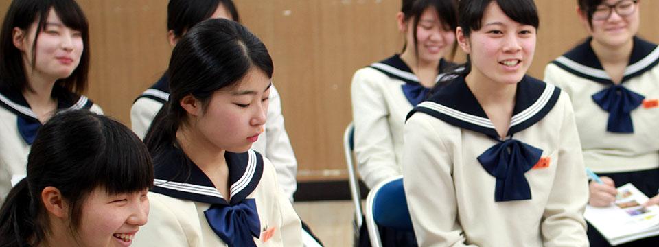 博多女子高校|【公式】進学にも就職にも役立つ伝える力‐商品開発授業