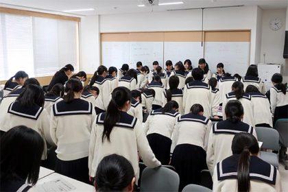 博多女子高校商品開発引き継ぎ式